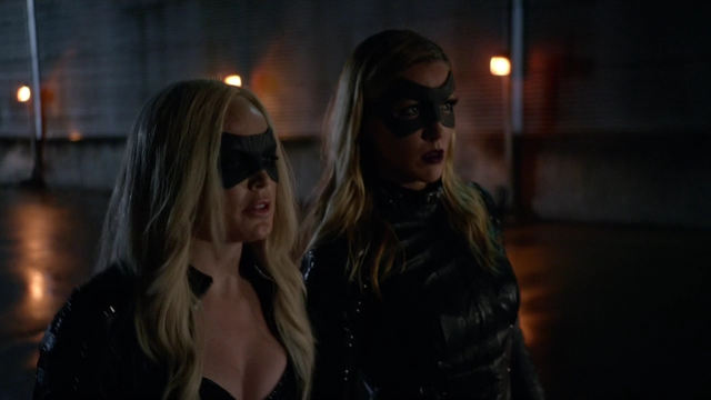 File:The Canary and Black Canary suits.png