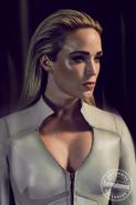 DC's Legends of Tomorrow season 5 - Entertainment Weekly Sara Lance promo 1