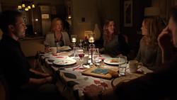 Oliver no jantar da família Lance