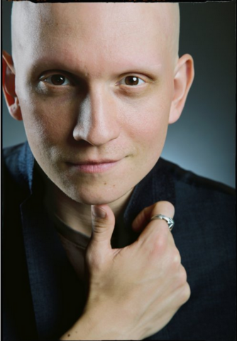 File:Anthony Carrigan.png