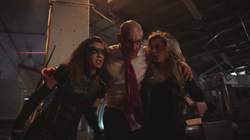 Laurel and Dinah joins forces to take Quentin to safety