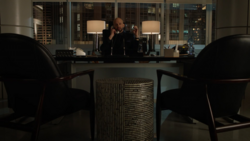 Lex orders Brainiac-5 to bring him Toyman's immortality code