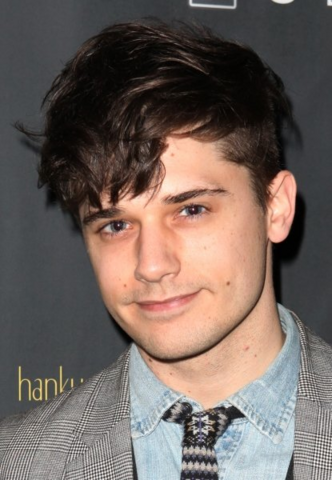 File:Andy Mientus.png