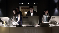 Eobard, Caitlin, Cisco and Ronnie try to stabilize the accelerator