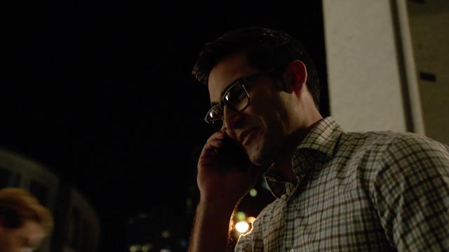 File:Clark Kent back in Metropolis.png
