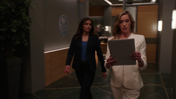 Dinah scolds Laurel for having gotten rid of her guards