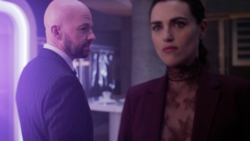 Lex send Lena to the Fortress of Solitude followed by a Morae