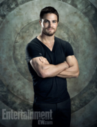 Oliver Queen on a target background