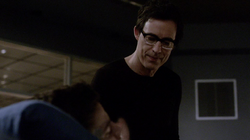 Eobard considers killing Barry