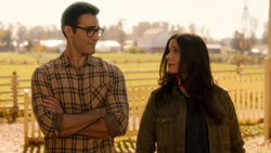 Lois tells Clark to join the fight on Earth-1