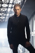 DC's Legends of Tomorrow - Leonard Snart character portrait
