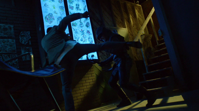 "File:Oliver Queen fights ""himself"".png"