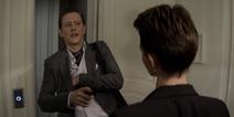 Tommy sendo confrontado por Kate