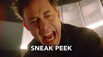 "The Flash 2x21 Sneak Peek 2 ""The Runaway Dinosaur"" (HD)"