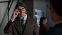 Clark Kent tells Clark Kent nice glasses