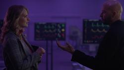 Lex asks Eve to kill Jeremiah Danvers