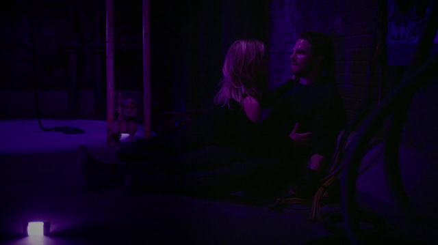 File:Felicity and Oliver trapped underground.png