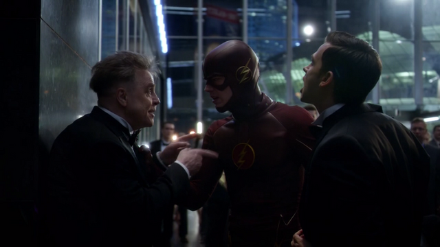 File:James Jesse explains the kinetic bomb to The Flash.png