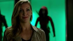 Laurel (T2) conhecendo Oliver Queen