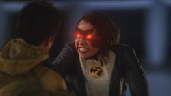 Nora confrontando Eobard