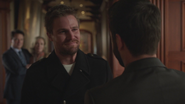 "Oliver ""returns"" to the Queen Mansion of Earth-2"