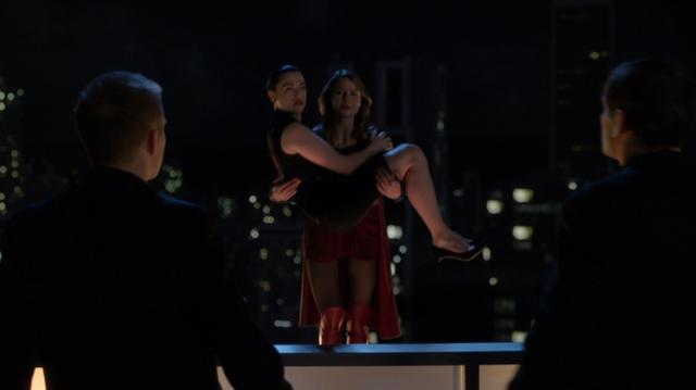 File:Kara catching and saving Lena.png