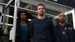 Oliver Queen dobrowolnie oddaje się w ręce FBI