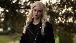 Caitlin leaves Team Flash