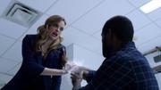 Caitlin quase mata Nigel