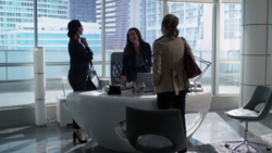 Sam meets Lena and Kara at L-Corp