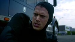 1x04 - Snart viendo a Barry
