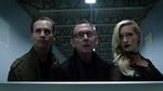 Cayden James, Black Siren i asystent włamują się do serwerowni internetu