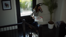 Samantha orders Stilton Pizza