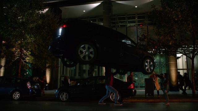 File:Mon-El stops a car.png
