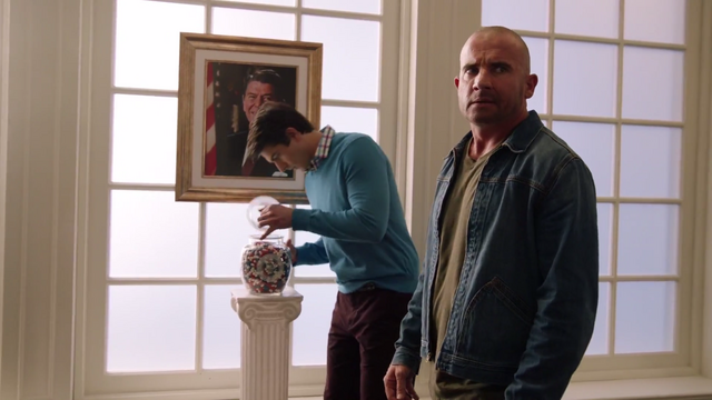 File:Ray Palmer and Mick Rory stealing Ronald Reagan's jelly beans.png