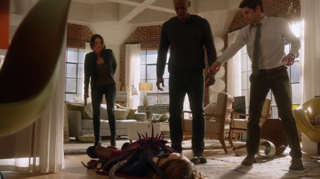 File:Alex, James and Winn find Kara.png