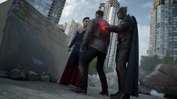 Superman and Martian Manhunter vs Gilcrist