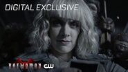 Batwoman Rachel Skarsten - Down The Rabbit Hole The CW