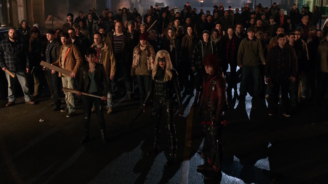 File:The people of the Glades prepare to fight Brick's men.png