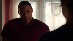 Diggle reconsiders being on Team Arrow