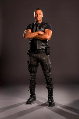 File:John Diggle season 4 promo.png