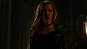 Black Siren fight with new Black Canary in Lian Yu