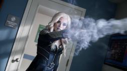 Killer Frost attacks Tracy
