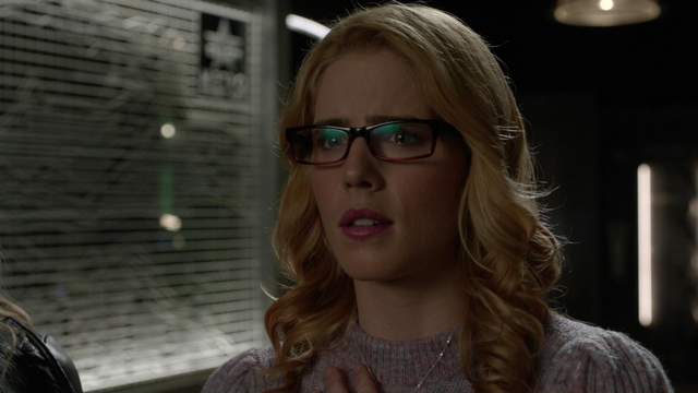 File:Felicity Smoak.png