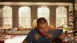 Oliver percebendo que tem os poderes de Barry