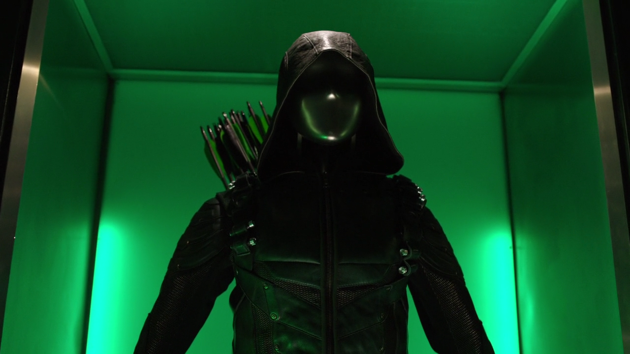 Green Arrow Suits Arrowverse Wiki Fandom Powered By Wikia