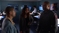 Diggle tells Dinah and Rene how Oliver is faring in prison