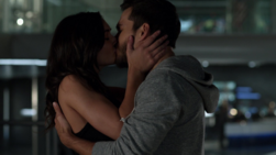Mon-El and Imra kiss