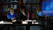 Curtis i Felicity powracają do pracy nad HD