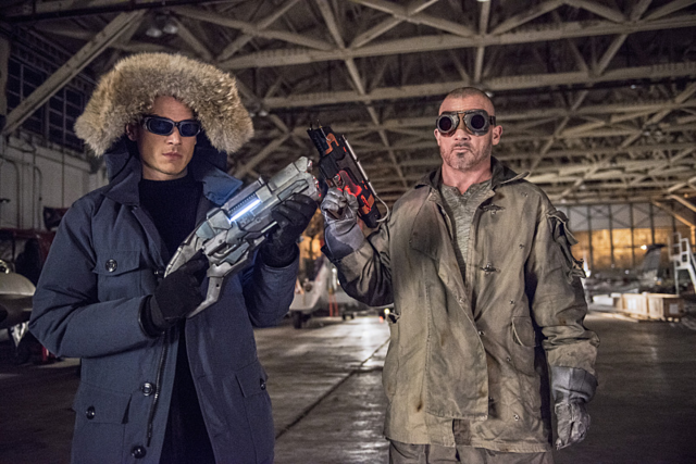 Archivo:Captain Cold and Heat Wave promo 2.png